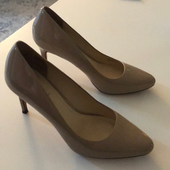 Cole Haan Nude Patent Leather Pumps Size 9